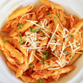 Penne Pasta with Chicken in red sauce 350g